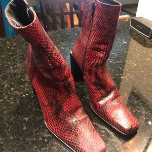 Nine West Burgundy Black Snakeskin Booties